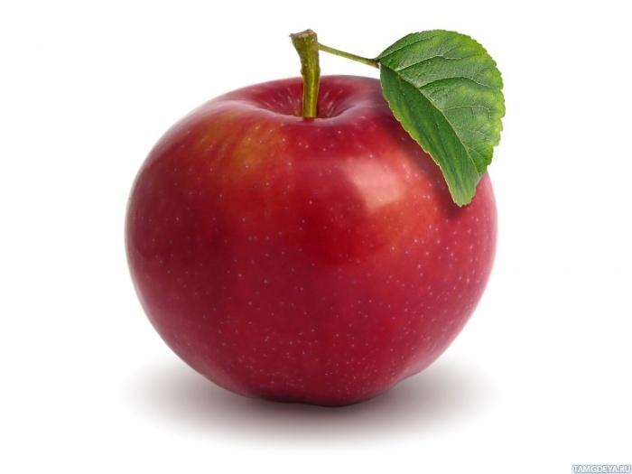Яблоко на белом фоне картинка
