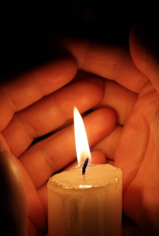 Горящая свеча памяти картинки